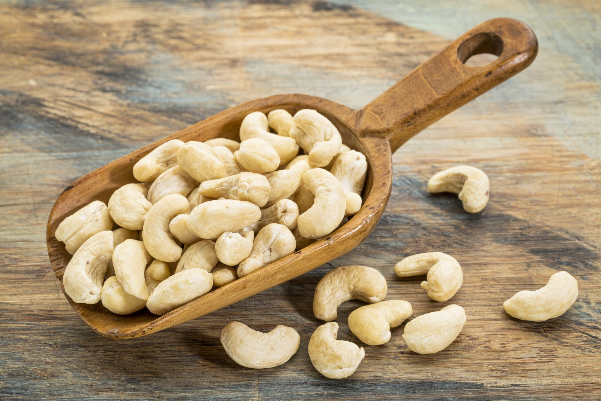 Cashews online at lowest prices in Mangalore